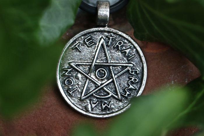 talismano con pentagramma
